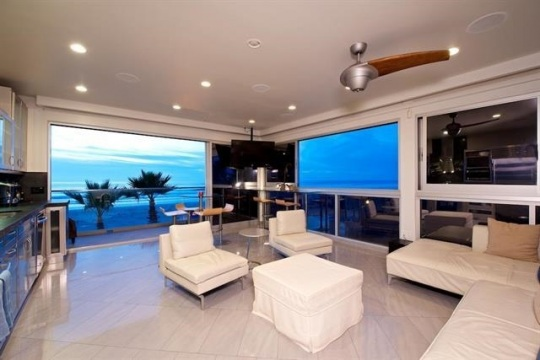 Beach and Park Penthouse